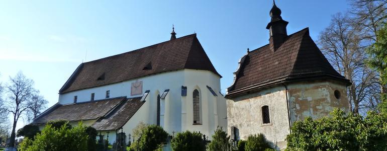 Hřbitovní areál s kostelem sv. Mikuláše a kaplí sv. Anny