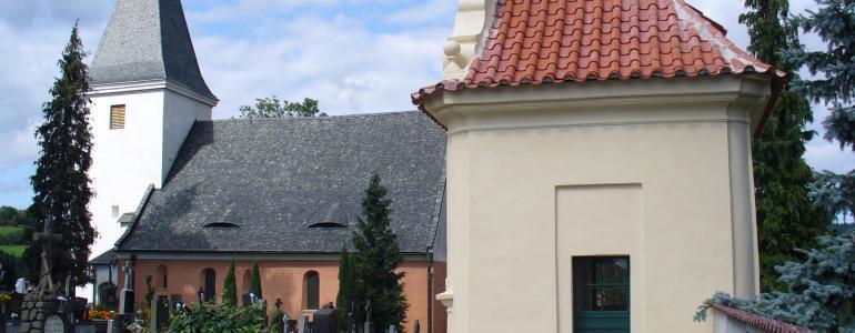 Kostel sv. Petra a Pavla ve Starých Prachaticích